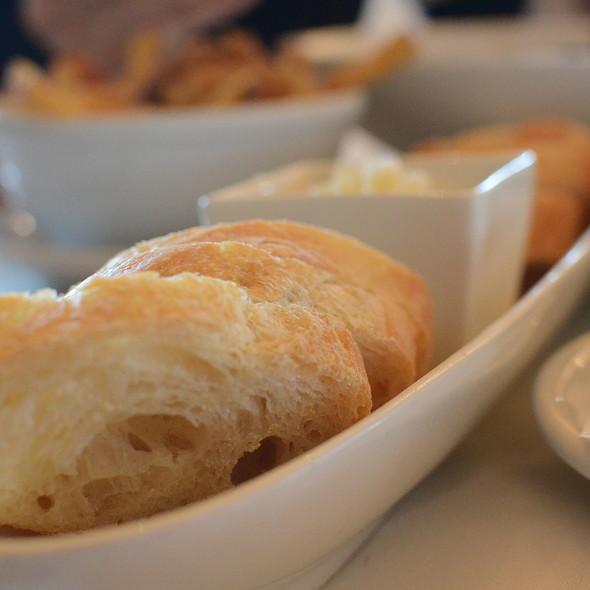 Bread - Ravine Vineyard Winery Restaurant, Niagara-on-the-Lake, ON