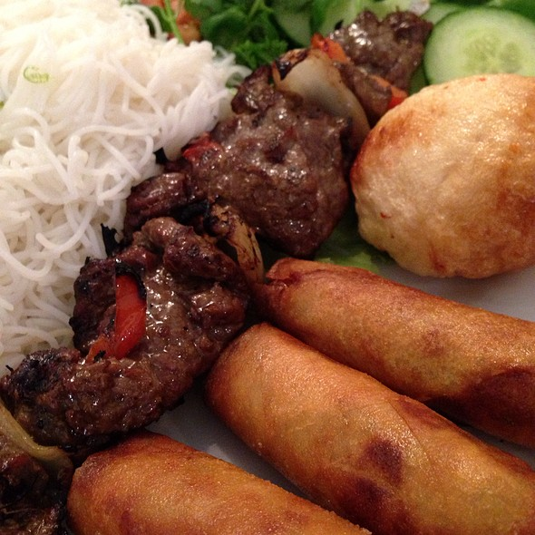 #64 Combo: Beef Brochette, Prawn On Sugarcane, Springroll, Vermicelli @ Phnom Penh Restaurant Ltd