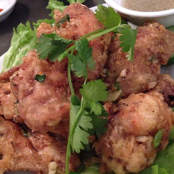 Deep Fried Garlic Chicken Wings @ Phnom Penh Restaurant Ltd