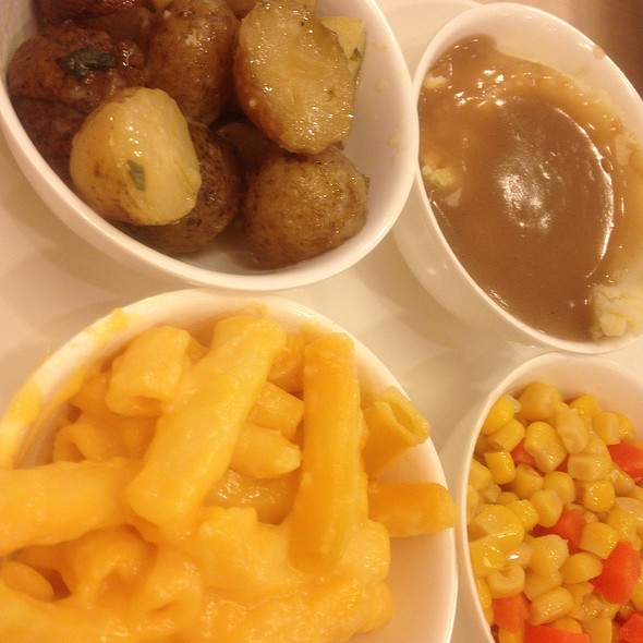 Potato + Mashed Potatoes + Macaroni And Cheese + Corn And Carrots @ Kenny Rogers Roasters