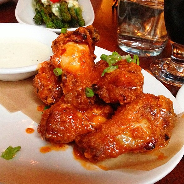Cholula Wings @ Paragon Restaurant & Bar