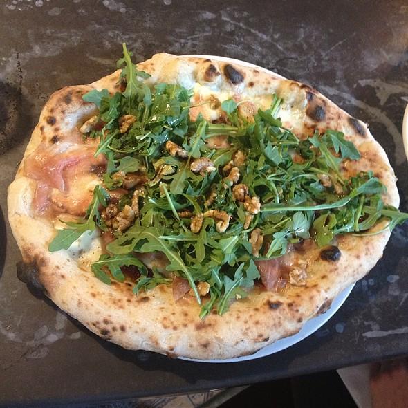 Fig Pizza @ Venturi