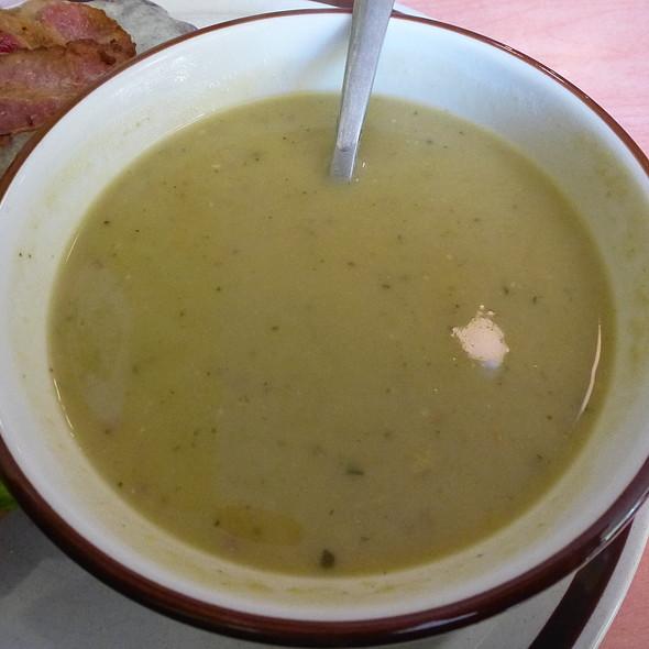 Lentil Soup @ Le Vieux Vélo