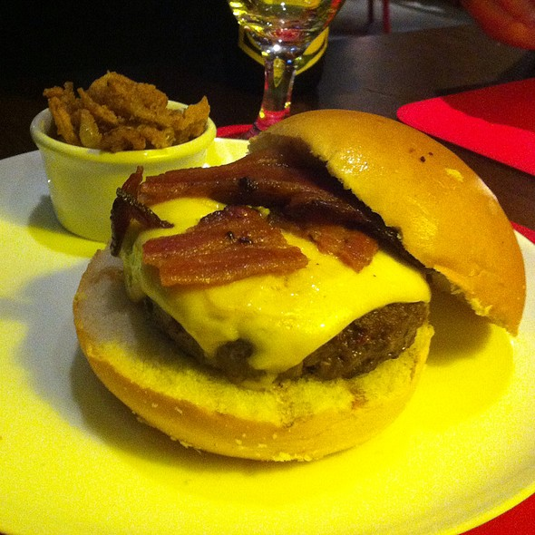 Bacon Cheese Burger @ Meatpacking NY Prime Burguers