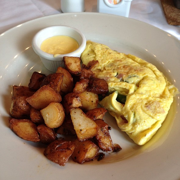 Omlette With Potatos - Clyde's of Columbia, Columbia, MD