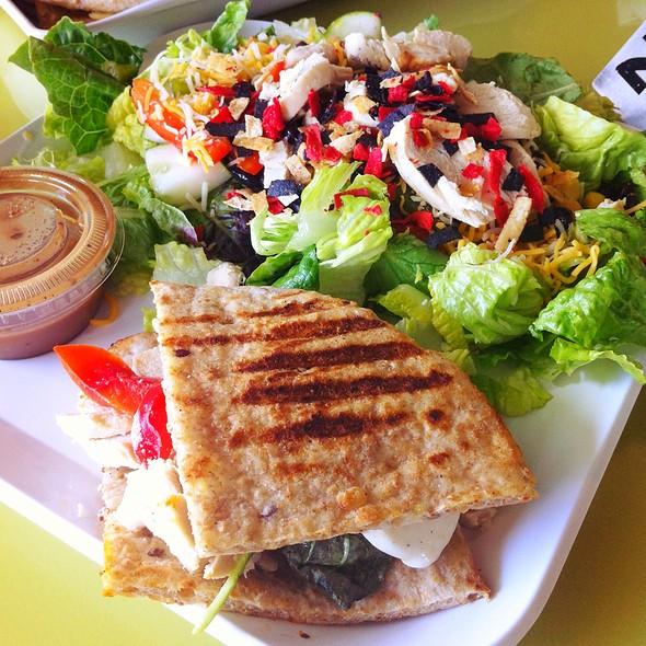 Tuscani Flatbread And Southwest Salad