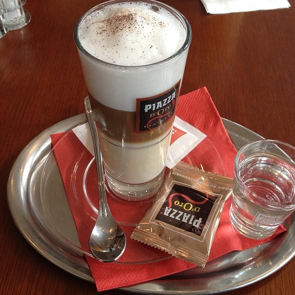 Cafe Latte @ Hotel ibis Praha Mala Strana