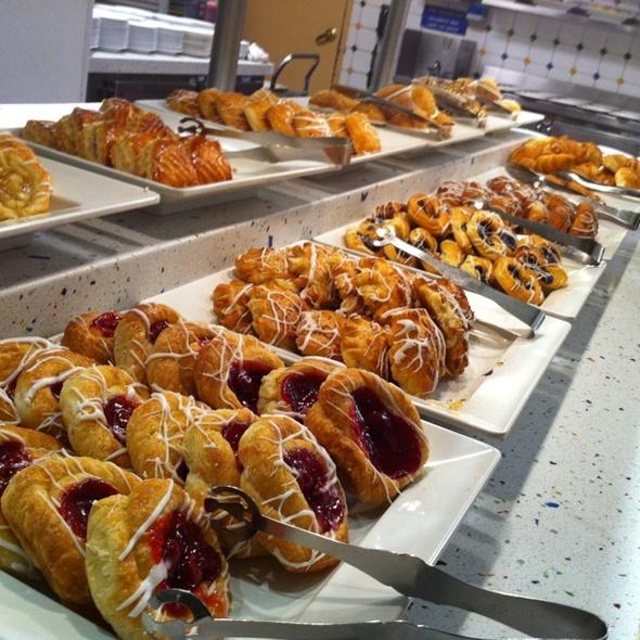 Pastry Smorgasbord @ Spice Market Buffet