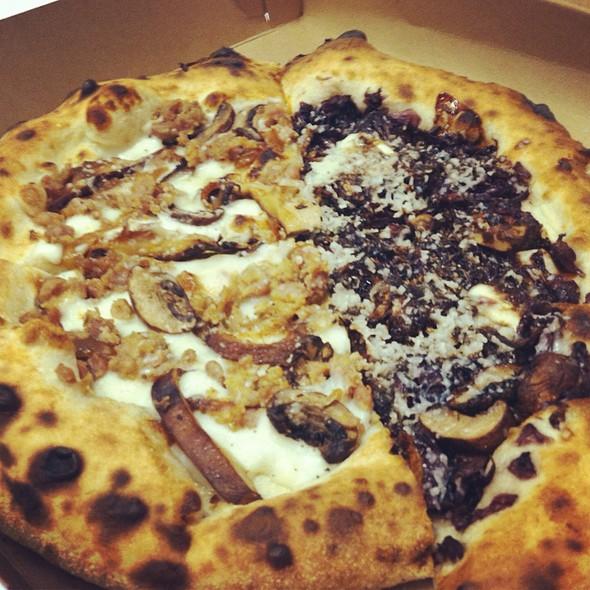 Sausage / Radicchio Pizza @ Pitruco Pizza Truck
