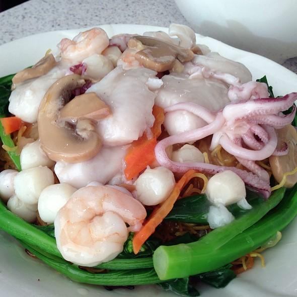 Seafood Noodles @ Tasty Garden