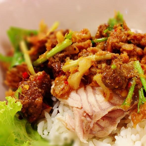 ข้าวแห้งปลา   Old Tradition Fish Over Rice @ Sanan Seafood