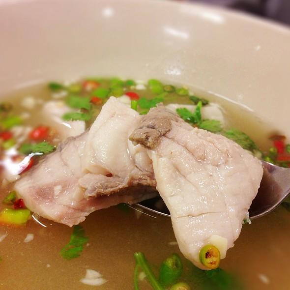ต้มยำเนื้อปลา @ Sanan Seafood