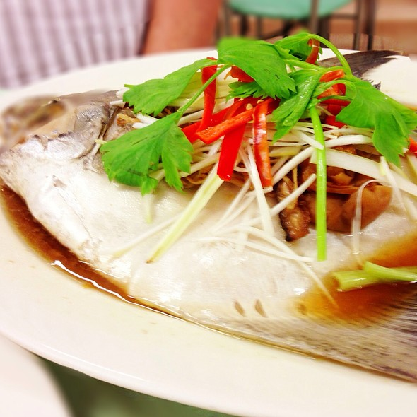 เต๋าเต้ยนึ่งบ๋วย | Steamed Butter Fish with Chinese Plum @ Sanan Seafood