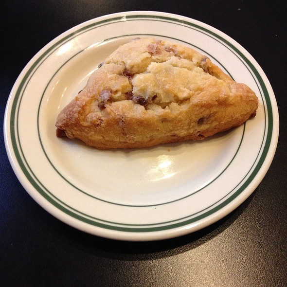 Cinnamon Apple Scone @ Koininia Coffee House
