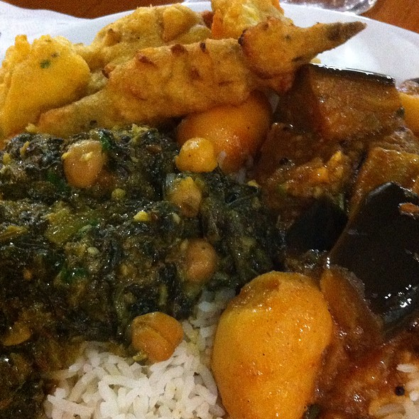 Chana Palak And Aloo Baighan @ Mirch Masala Indian Cuisine