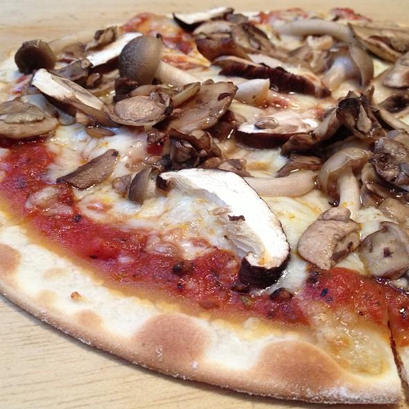 Mushroom Lover's Pizza @ Lena's