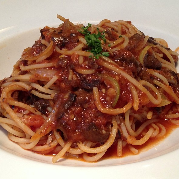 Spaghetti Bolognese @ Lena's