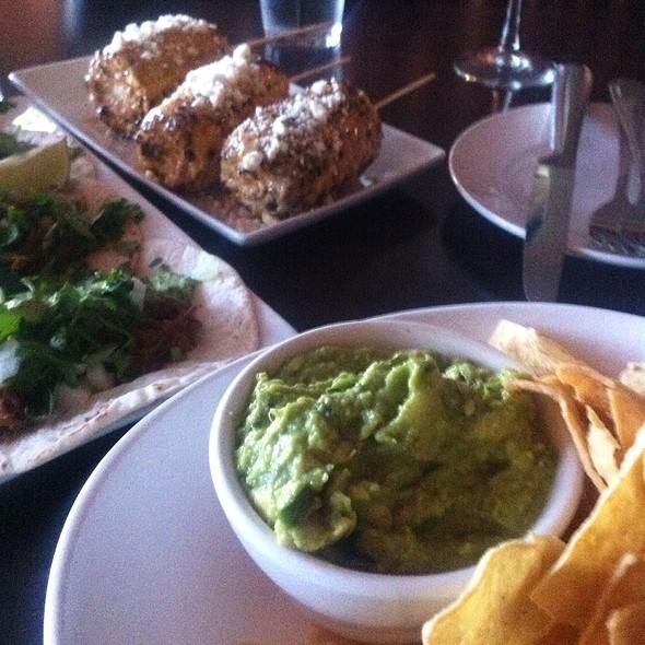 Guacamole, Corn Cobb & Barbicoa Tacos
