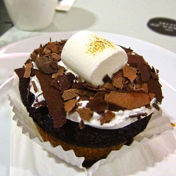 Chocolate Marshmallow Cupcake @ The Marmalade Pantry