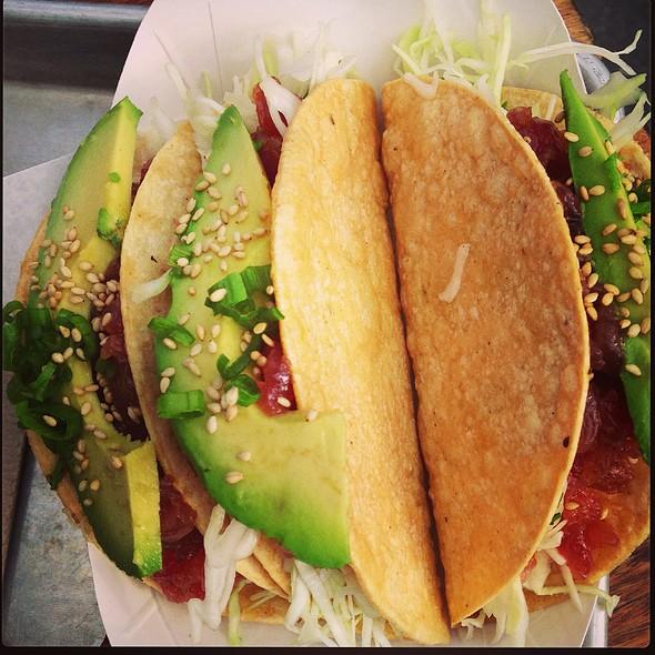 Ahi Poke Crispy Tacos @ Gott's Roadside