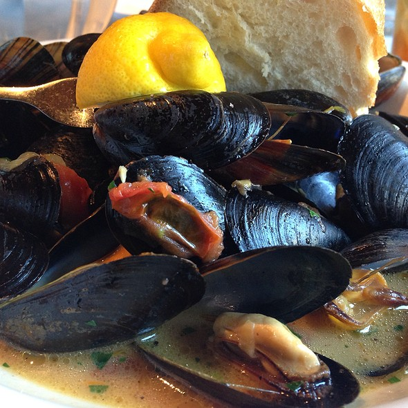 Mussels - Clyde's of Georgetown, Washington, DC
