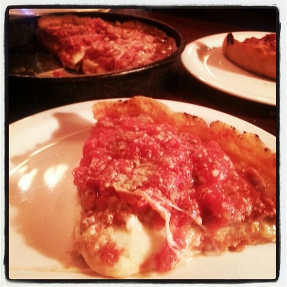 Deep dish pizza @ Lou Manalti's Pizzeria @ Lou Malnati's Pizzeria