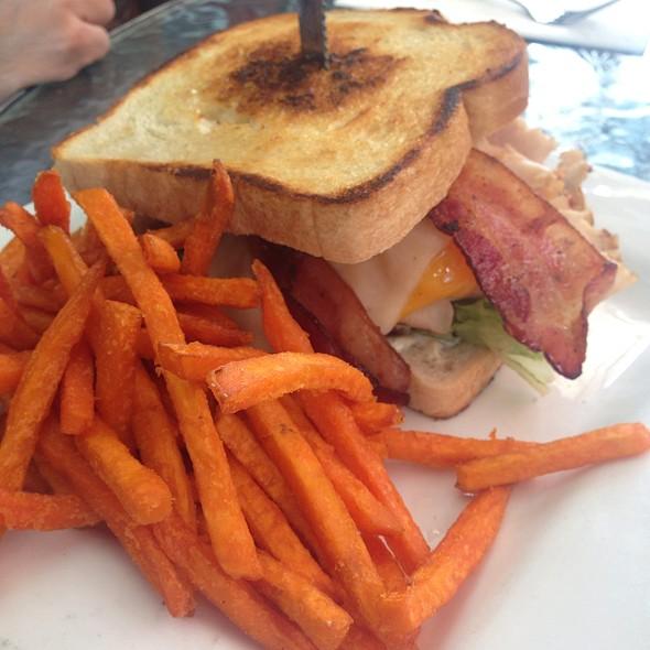 Turkey,bacon,avocado @ Urban Mo's
