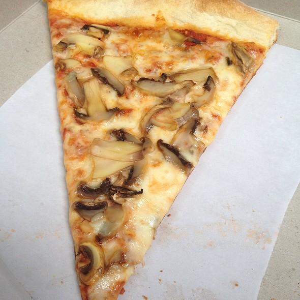 Mushroom Pizza @ Saggio's