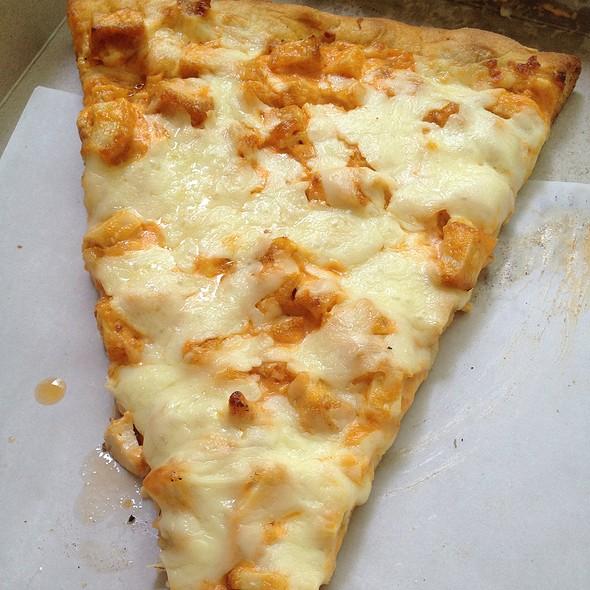 Buffalo Chicken Pizza @ Saggio's