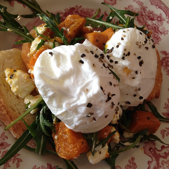 Smashed Pumpkin, Persian Fetta, Baby Spinach, Poached Eggs @ Farmer's Wife