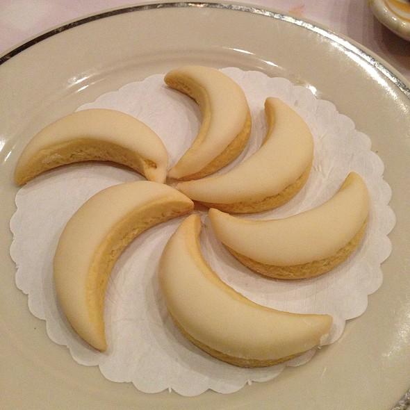 Lemoncello Cookies - Maggiano's - Boca Raton, Boca Raton, FL