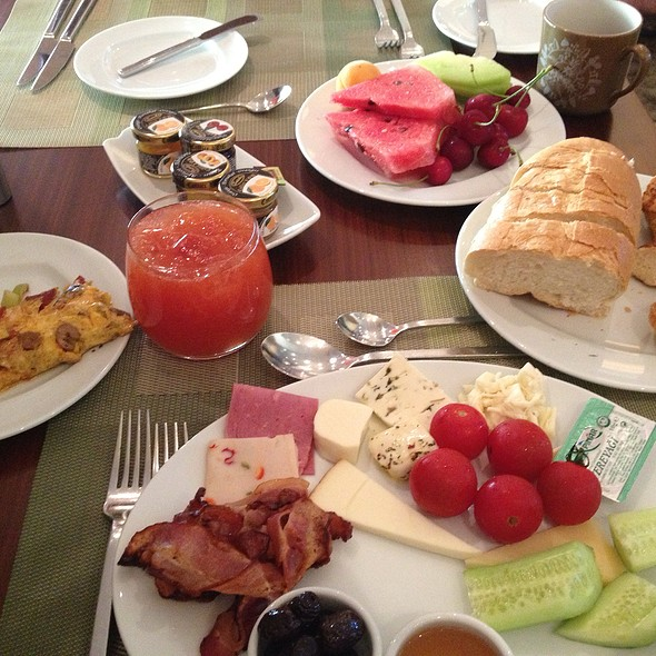 Breakfast @ Swissotel Grand Efes