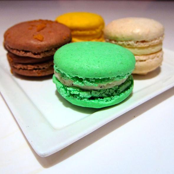 Macaroons @ Canelé Pâtisserie Chocolaterie