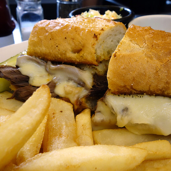 FPI French Dip - Fireplace Inn, Chicago, IL