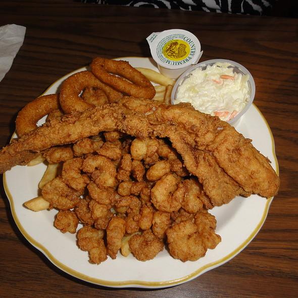 Flounder, popcorn shrimp, hushpuppies, and fries @ Captain Tom's Seafood