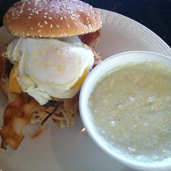Breakfast Burger @ Country Pumpkin Cafe