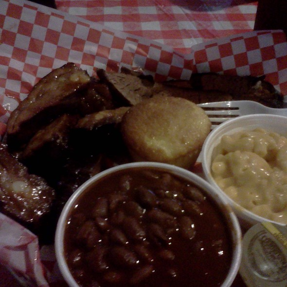 Two Step Meat Plate @ Dick's Bodacious Bar-B-Q