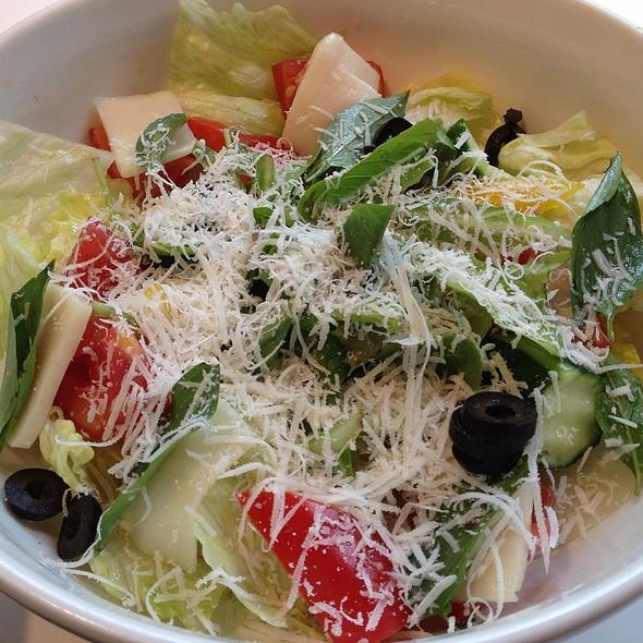 Fresh Mozarella & Tomatoe Salad