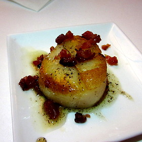 Diver scallops with bacon bits