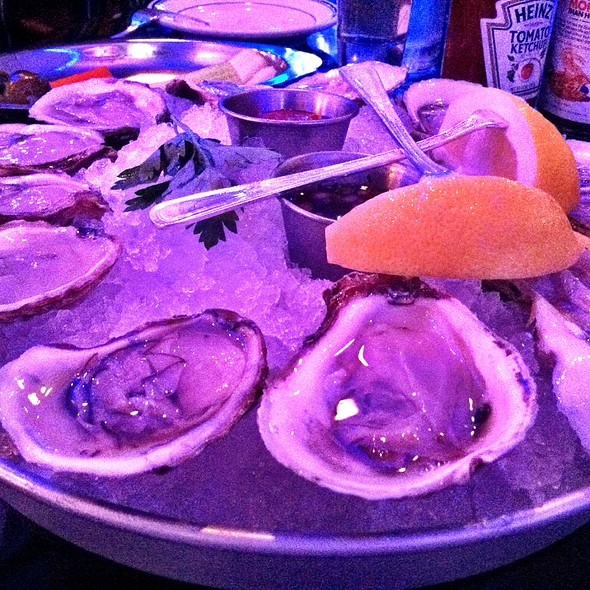 Blue Point Oyters - Oceanaire Seafood Room - Minneapolis, Minneapolis, MN