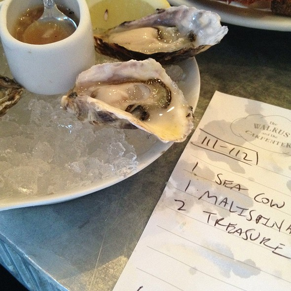 Oysters @ The Walrus and the Carpenter
