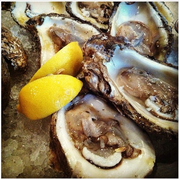 Gulf Oysters On The Half Shell @ Lüke