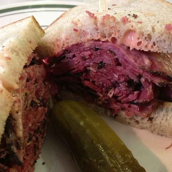 Pastromi Sandwich @ Schlesinger's