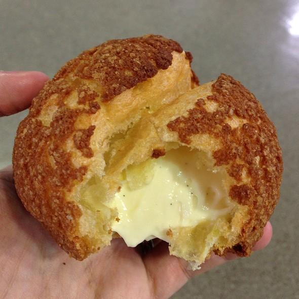 Vanilla Cream Puff @ Chez Choux
