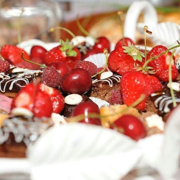 Cokoladni Kolaci I Jagodi