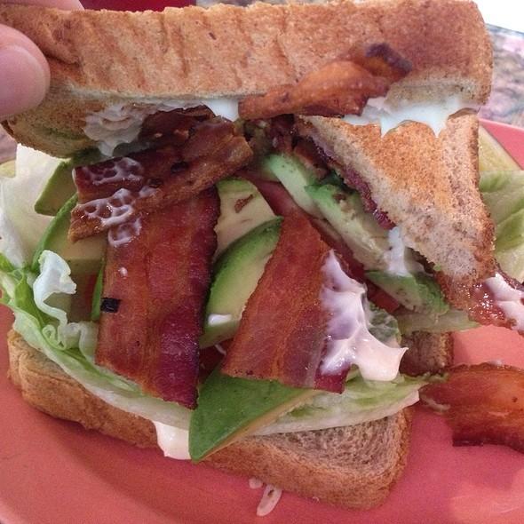 California Blt @ Shawsheen Luncheonette