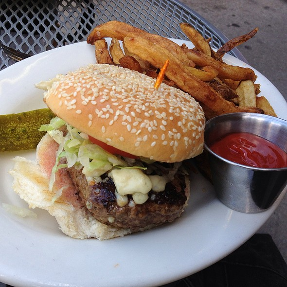 Pat Lafrieda Burger With Blue Cheese