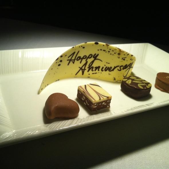 Anniversary Chocolates - Ferraro's Bar e Ristorante Maui, Wailea, HI
