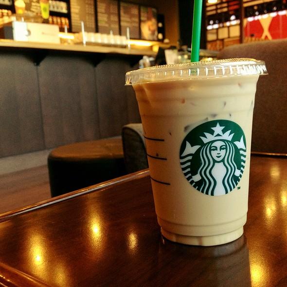 how to make starbucks iced latte
