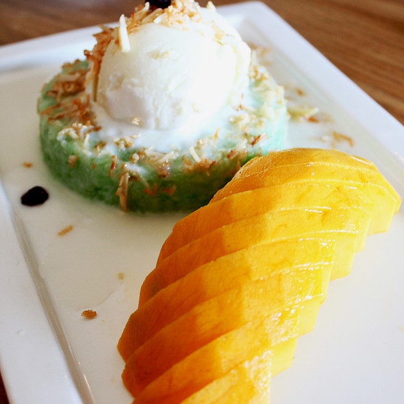 Pandan Sticky Rice with Mango @ Green Peppercorn